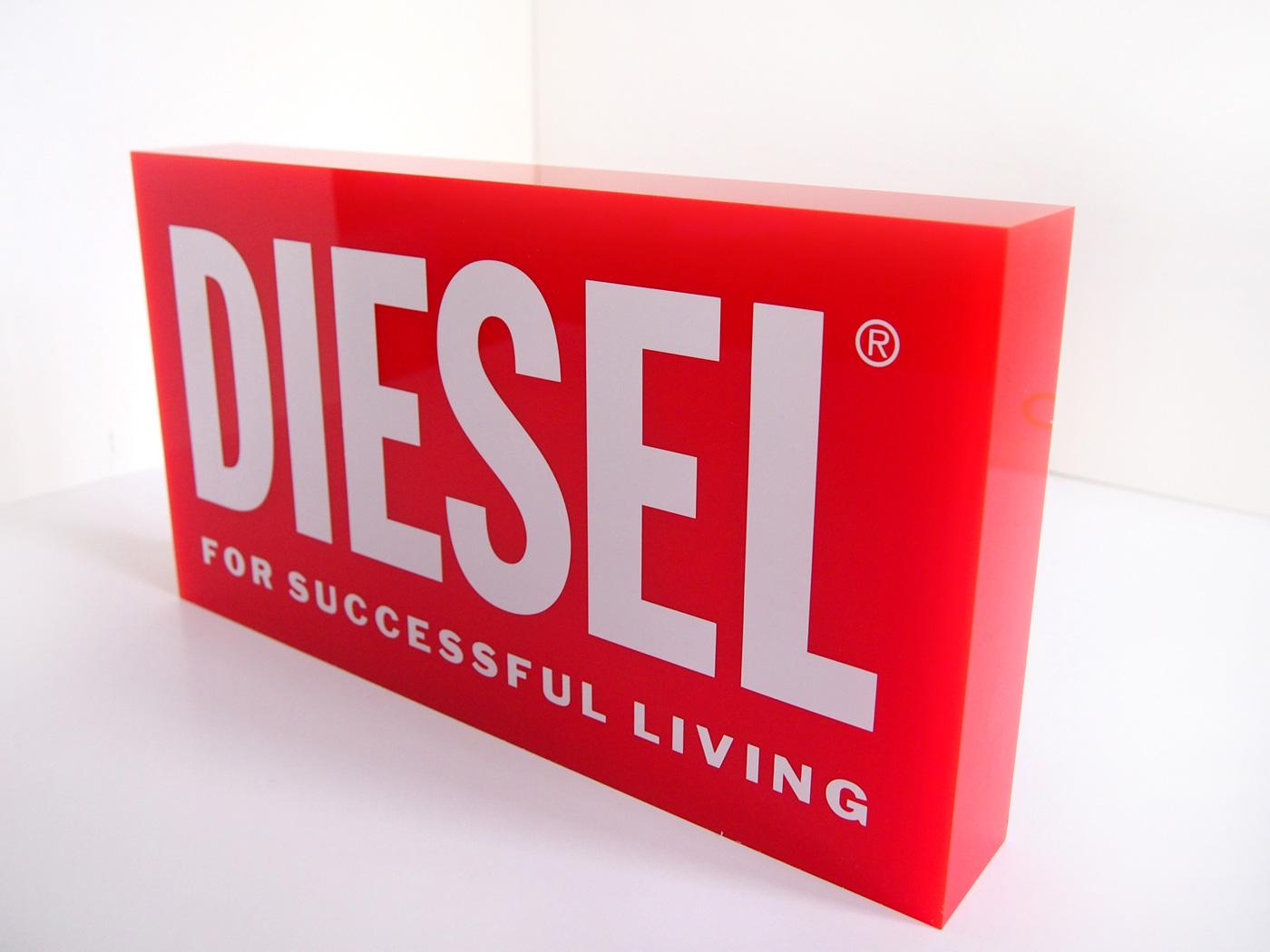 diesel_red_acryl_2