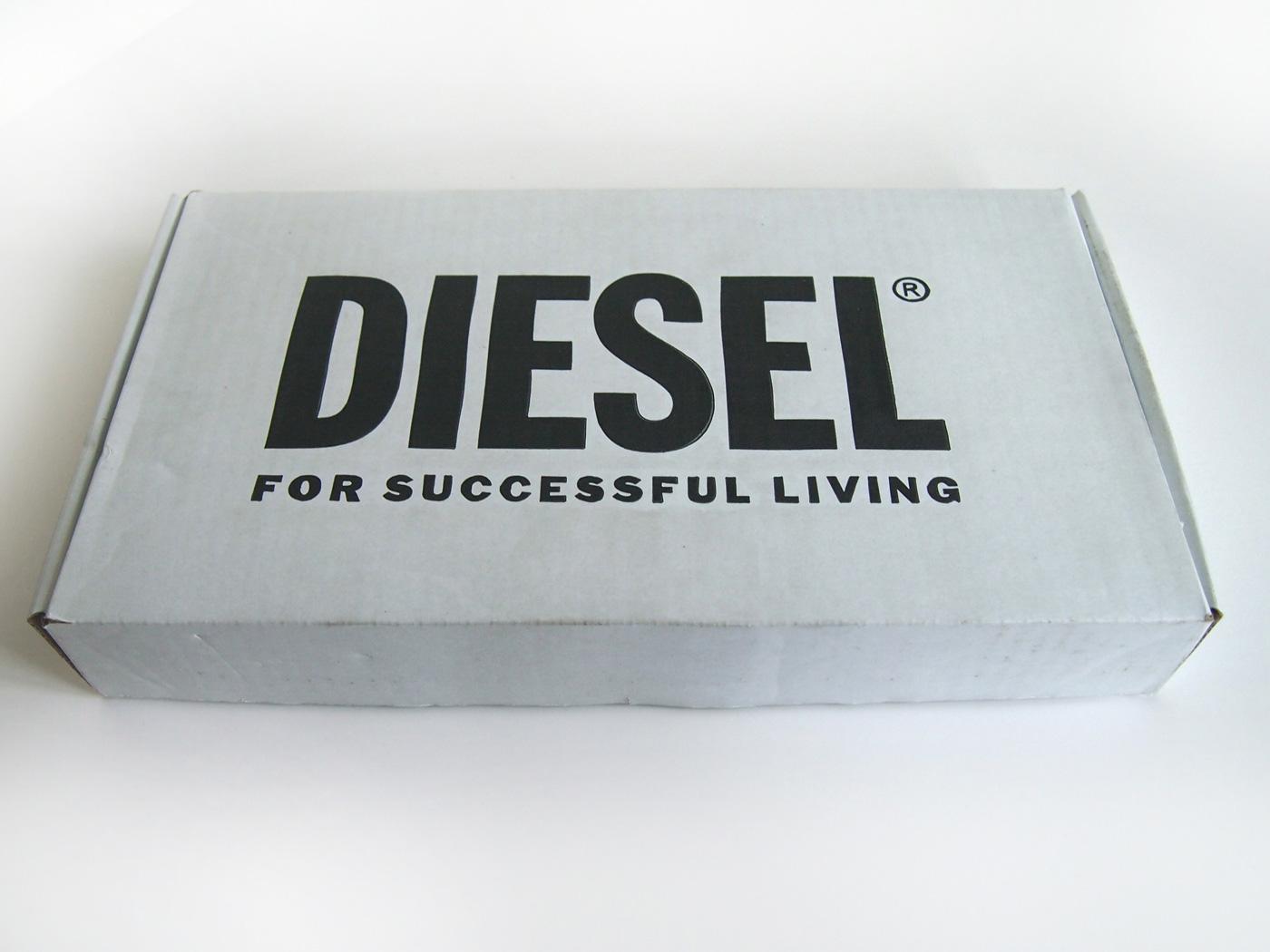 diesel_red_acryl_3